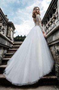 Svadobné šaty s dlhými rukávmi - Wedding Gallery svadobný salón Bratislava