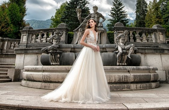 Rafinované svadobné šaty s čipkou Wedding Gallery svadobný salón Bratislava