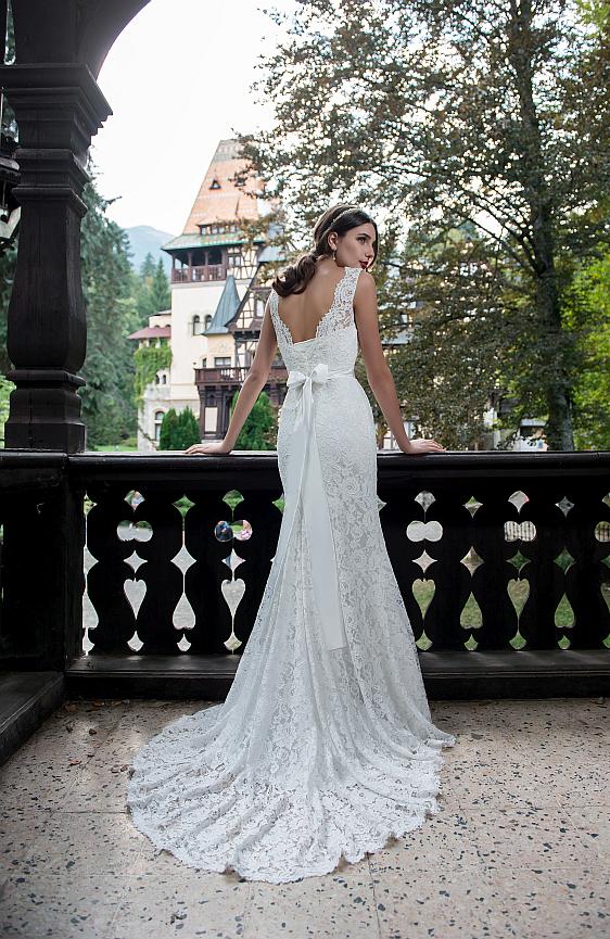 Svadobné šaty čipkované s ramienkami Wedding Gallery svadobný salón Bratislava