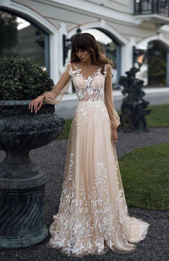 Svadobné šaty bohémske s dlhými rukávmi vo farbe nude - Wedding Gallery Bratislava - požičovňa svadobných šiat
