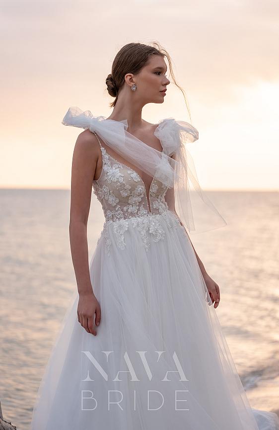 Svadobné šaty s ramienkami svadobný salón Wedding Gallery požičovňa a predaj svadobných šiat