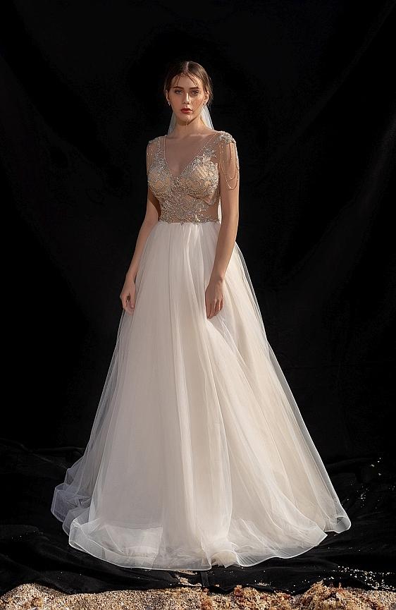 Svadobné šaty princeznovské Wedding Gallery svadobný salón Bratislava požičovňa a predaj svadobných šiat